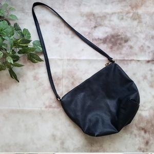 Forever 21  shoulder/cross body bag classic black
